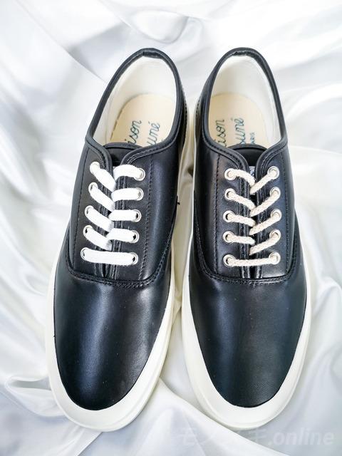 メゾンキツネ レザーシューズ 靴紐比較