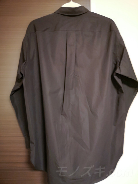 +J スーピマコットン オーバーサイズシャツ 背面